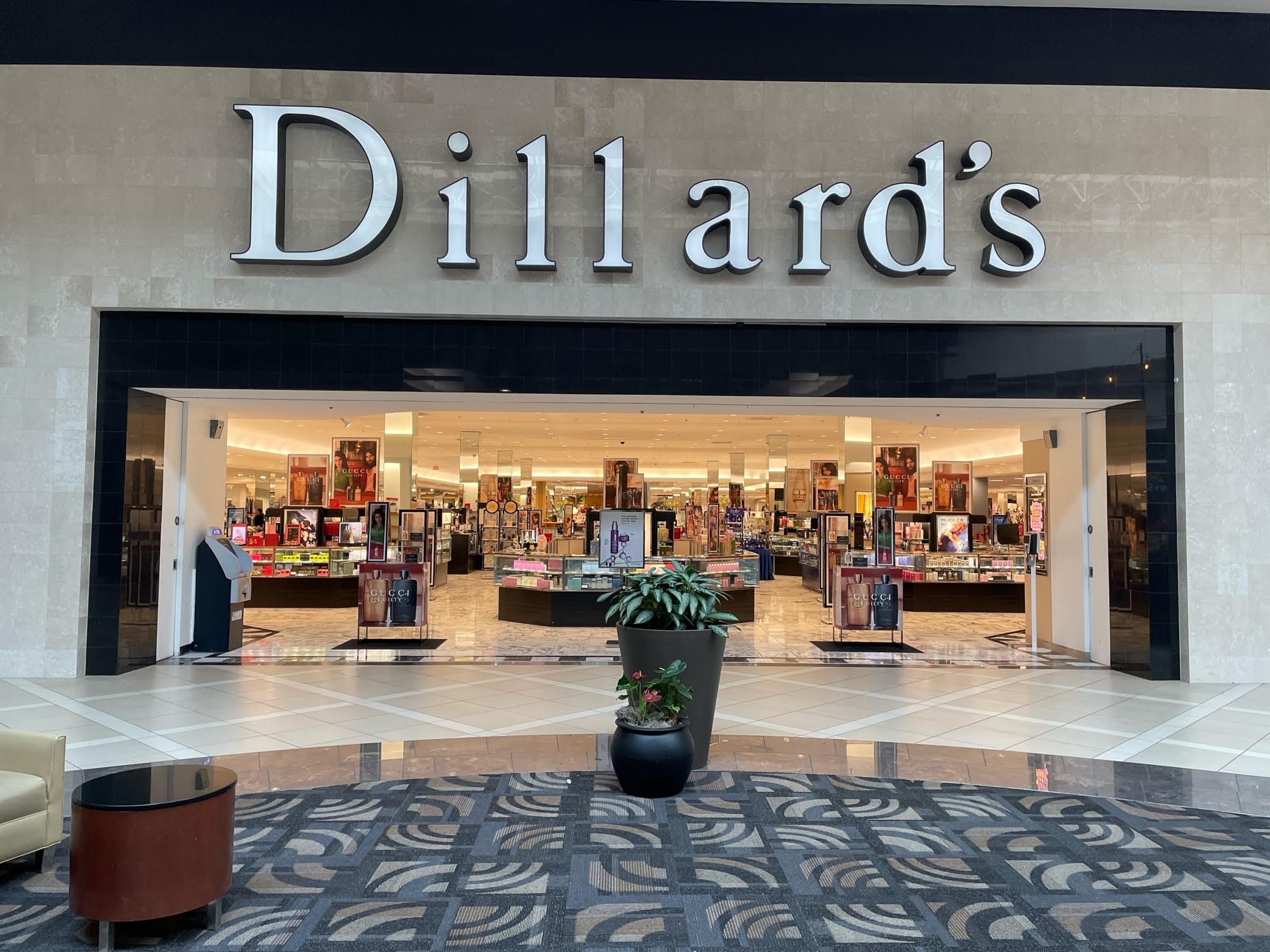 Dillard's Great Lakes Mentor Ohio