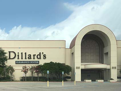 Dillards locations in Houston, TX Below is a list of Dillards mall/outlet store locations in Houston, Texas - including store address, hours and phone numbers. There are 38 Dillards mall stores in Texas, with 8 locations in or near Houston (within miles).